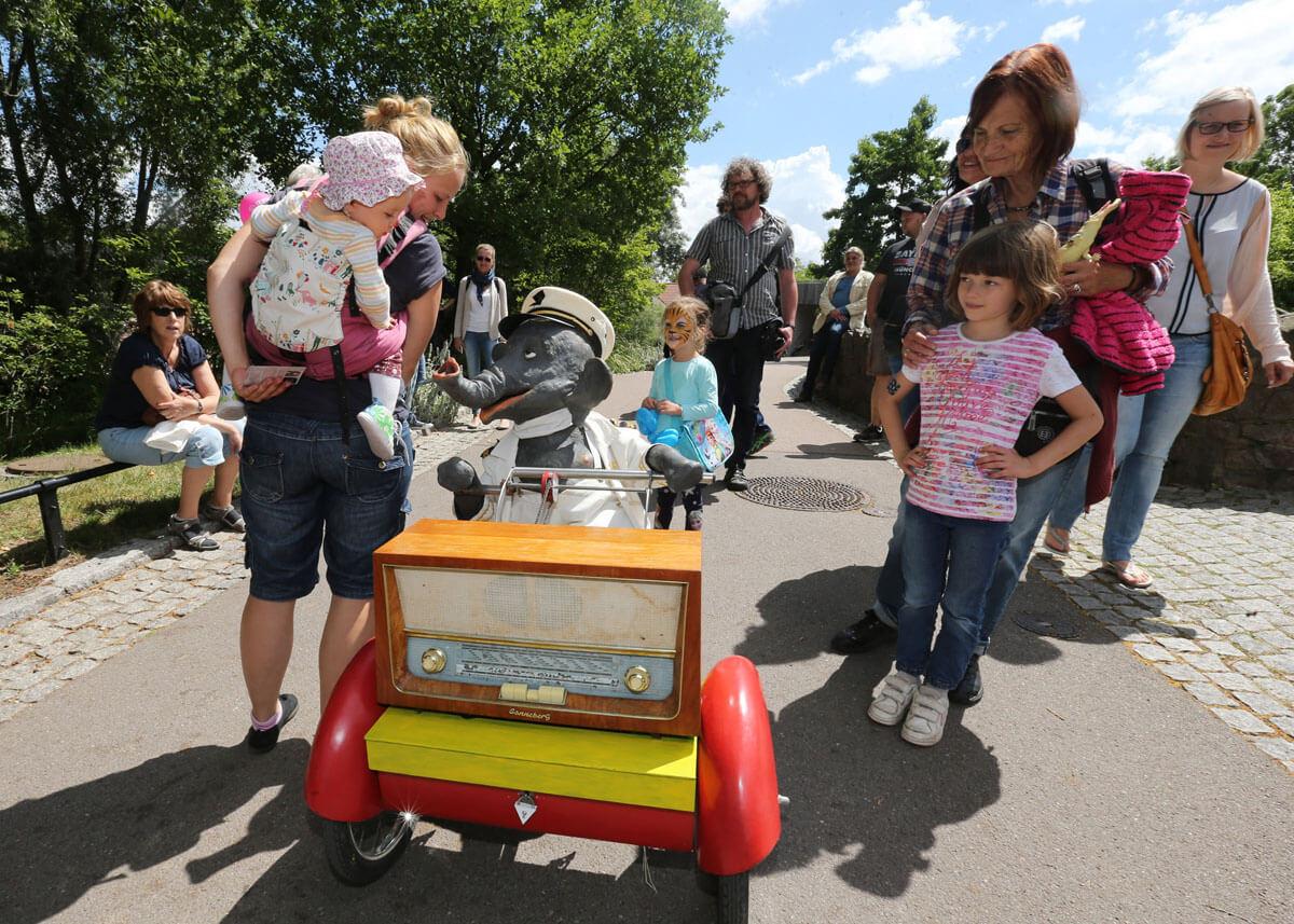"""03.07.2016 Bergzoo Halle Zoofest Animationsshow """" Jochen der Elefant"""", Steffen Schellhorn"""