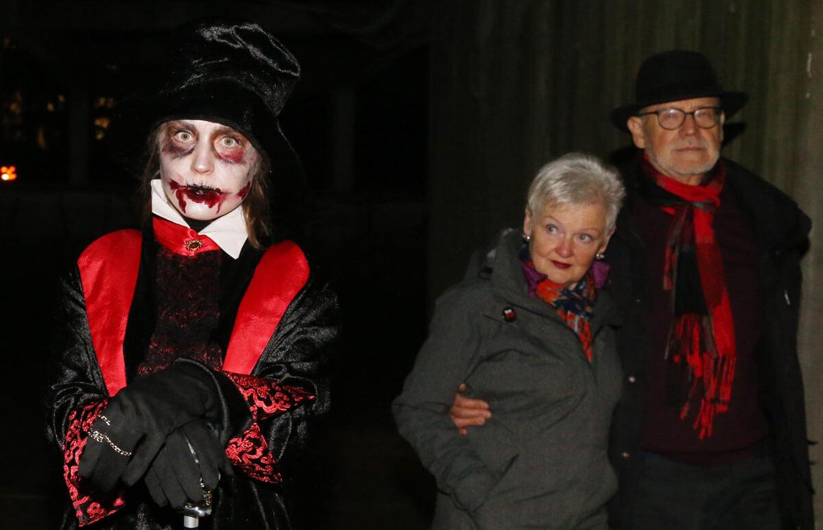 30.10.2016 Halloween im Bergzoo Halle, die größte Halloween-Party in Mitteldeutschland, mit fast 7000 Besucher der Tagesbesucherrekord in der Geschichte des Zoos (c) Steffen Schellhorn.